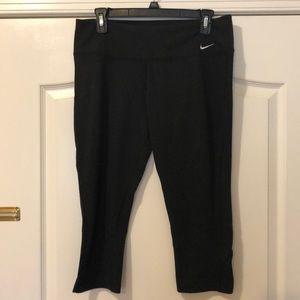 Nike DryFit Capri in black